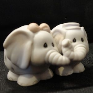 Home Interiors (HOMCO) Accents - 1993 Porcelain Elephants In Love Figurine  HOMCO